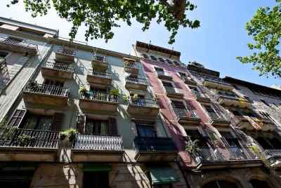Residential building for sale in Barcelona's Gothic Quarter with project reconstruction
